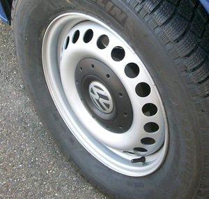 Оригинальный стальной диск R16 VW T5
